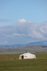Mongolische Jurte in der Steppe